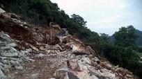 Nghệ An: Sập mỏ đá, 4 công nhân thương vong