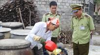 Nghệ An: Đoàn liên ngành kiểm tra các cơ sở chế biến nước mắm