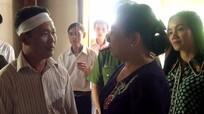 Phu nhân Chủ tịch nước thăm hỏi gia đình học sinh đuối nước ở Nam Đàn
