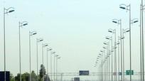 Vì sao chọn xây đường bộ cao tốc thay vì đường sắt tốc độ cao?