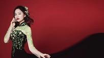 Lan Phương hóa 'ma nữ' sexy với đầm Halloween xuyên thấu