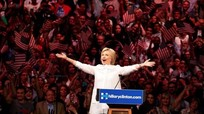 Ứng viên Hillary Clinton 'được lòng' giới trẻ