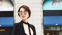 Ngọc Trinh diện bra-top trên đường phố Hàn Quốc