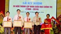 Bộ trưởng Bộ GD&ĐT tặng bằng khen cho Khoa Giáo dục Chính trị, ĐH Vinh