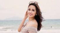Hoa hậu Mai Phương Thuý khoe đường cong quyến rũ trước biển