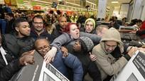 Thụi nhau nhừ tử trong ngày hội giảm giá Black Friday