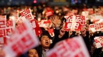 Hàng chục nghìn người Hàn Quốc xuống đường biểu tình đòi Tổng thống từ chức