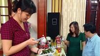 Dùng điện thoại kiểm tra chất lượng thực phẩm