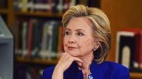 Tuyên bố bà Clinton vô tội, FBI 'đổ dầu vào lửa'
