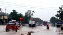 Mưa lớn gây ngập cục bộ trên quốc lộ 1A, đoạn qua Nghệ An