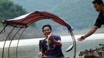 Nhọc nhằn nghề thu mua cá trên dòng Nậm Nơn