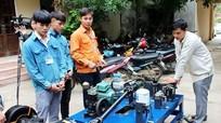 Nghệ An: Thầy giáo 8X chế tạo thiết bị ô tô hàng trăm triệu đồng