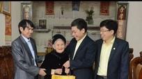 Tổng Công ty XDCTGT 4 nhận phụng dưỡng 12 Mẹ VNAH ở Nghệ An