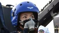 Vụ nữ phi công Trung Quốc J-10 tử nạn là 'một cú sốc'