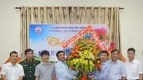 Bí thư Thành ủy Vinh chúc mừng ngày Nhà giáo Việt Nam