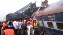 Tàu hỏa Ấn Độ trật bánh, ít nhất 95 người thiệt mạng