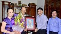 Bí thư Tỉnh ủy Nguyễn Đắc Vinh chúc mừng các nhà giáo nhân ngày 20/11