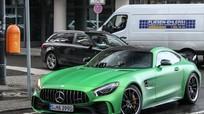 Mercedes-AMG GT R xanh lục đầu tiên xuất hiện trên phố