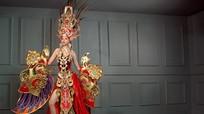 Choáng với trang phục dân tộc 45kg của đại diện VN tại 'Hoa hậu Siêu quốc gia'