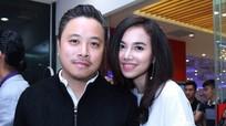 Vợ chồng Victor Vũ - Đinh Ngọc Diệp tình tứ tại sự kiện