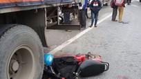 Nam sinh đâm vào đuôi xe container do tài xế dừng ăn sáng trên quốc lộ 1A