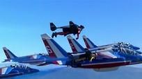 Phi đội 'Người bay' trình diễn cùng tiêm kích Pháp