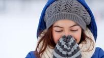 Vì sao phải giữ ấm chân tay trong mùa lạnh?