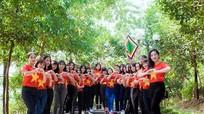 Nữ sinh sư phạm xinh đẹp hát quốc ca trong clip kỷ yếu