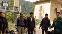 Trao con giống cho các hộ nghèo ở Kỳ Sơn