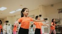 2 cô bé người Nghệ biểu diễn cùng các nghệ sỹ Nga nổi tiếng