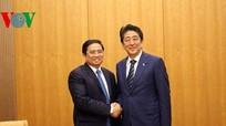 Thủ tướng Nhật Bản Abe tiếp ông Phạm Minh Chính