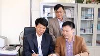 Bưu điện Hoàng Mai, Quỳnh Lưu ký hợp đồng đặt mua báo đảng năm 2017