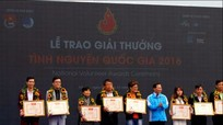 CLB hiến máu Đại học Y khoa Vinh nhận Giải thưởng tình nguyện quốc gia năm 2016