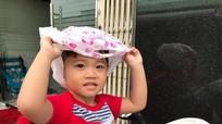 Em bé khóc khi nghe giọng Nghệ 'tạ lỗi' với bà con quê Nghệ