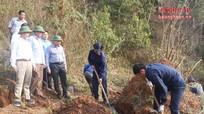 Quân khu 4 làm việc với Ban Công tác đặc biệt tỉnh Khăm Muộn (Lào)