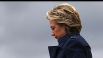 Ai chủ mưu vụ rò rỉ thư tín điện tử của bà Clinton?