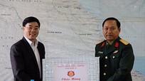 Phó Bí thư Tỉnh ủy chúc mừng các lữ đoàn ở Quỳnh Lưu, Thái Hòa