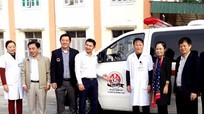 Tặng xe ô tô cứu thương cho Bệnh viện đa khoa Quỳ Hợp