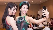 Vướng tin đồn thẩm mỹ, Diệp Lâm Anh vẫn tự tin 'đọ sắc' Kim Tuyến