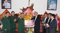 Bộ Tư lệnh Quân khu 4 chúc mừng Giáng sinh tại Giáo phận Vinh
