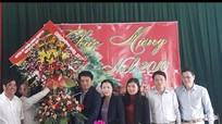 Lãnh đạo huyện Qùy Hợp chúc mừng bà con vùng giáo nhân dịp Noel