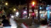 Nữ phóng viên bị cướp giật túi xách ngay trước cổng nhà