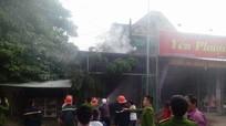 Cháy ảnh viện áo cưới tại Đô Lương