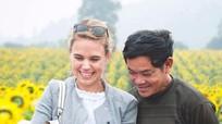 Cánh đồng hoa hướng dương 'hút' khách quốc tế