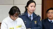Bạn thân Tổng thống Hàn Quốc 'cố thủ' trong xà lim