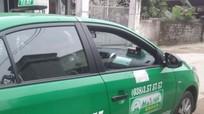 Tài xế taxi trả lại 2 điện thoại trị giá gần 20 triệu đồng cho hành khách