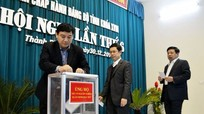 Ban Chấp hành Đảng bộ tỉnh ủng hộ người nghèo đón Tết Đinh Dậu