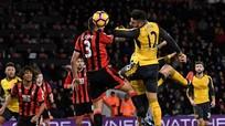 Giroud giúp Arsenal giành lại 1 điểm trong phút bù giờ