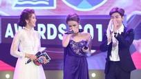 Hoàng Thùy Linh khóc khi lần đầu tiên nhận giải thưởng