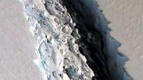 Tảng băng lớn bằng một quốc gia sắp vỡ ra từ Nam Cực